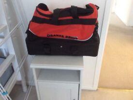 Drakes Pride Bowls Bag .