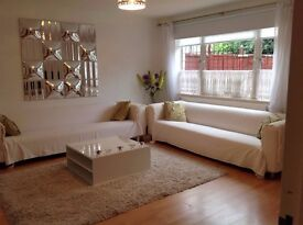 Gorgeous homely 4 bedroom house is Prince Regent E16