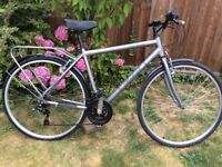 MENS/LADIES RALEIGH PARK AVENUE 21 SPEED HYBRID/TOWN BIKE WITH REAR CARRIER
