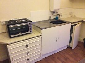 Furnished bedsit pershore rd, Selly park birmingham