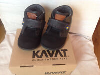 Polarn O.Pyret KAVAT boots. size UK 6 (23EU), excellent condition, in the original box