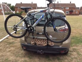 Hatch or boot mounted bike carrier for up to 3 cycles