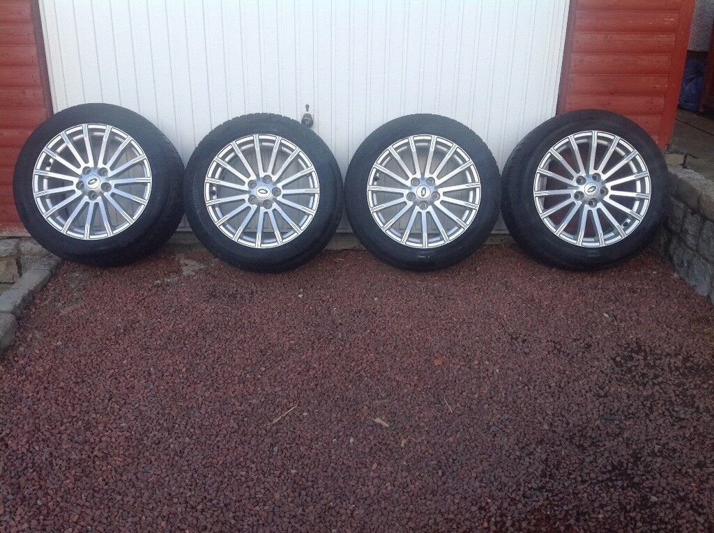 Land Rover Wheels and Tyres x 4