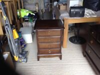 Bedside cabinet / chest of drawers