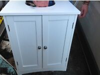 Nearly new hardly used White under sink cupboard