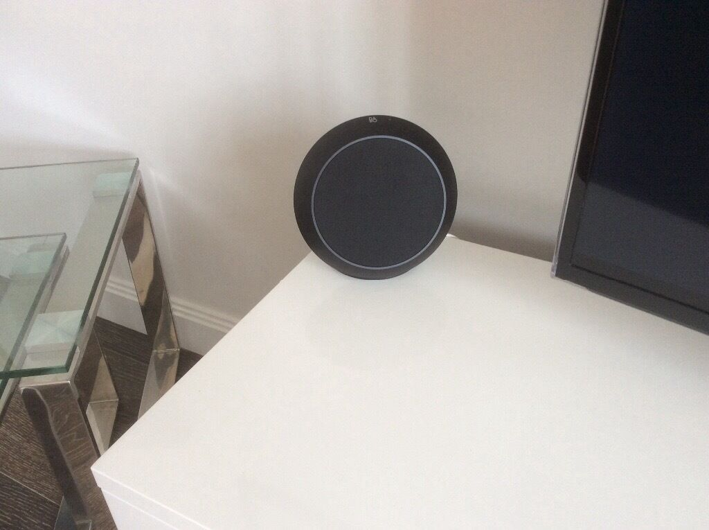 bang olufsen beoplay s8 in earls court london gumtree. Black Bedroom Furniture Sets. Home Design Ideas