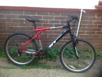 GT Avalanche Mountain Bike with front suspension 21 sp