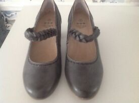 Orchard leather lining wide fit shoes size 7
