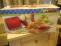BNIB Electric spiralizer, slicer and,peeler c/w book on how to make spiralizing fun