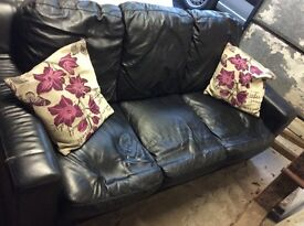 BLACK LEATHER 3+2 SOFA'S