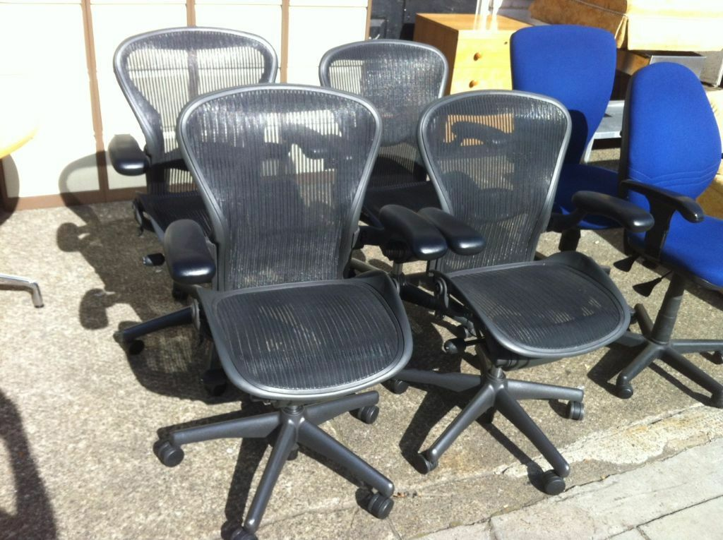 Huge Selection Of Herman Miller Aeron Chairs Size B In Stock In