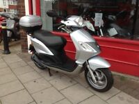 PIAGGIO FLY 125 COMES FULLY SERVICED VERY LOW MILES 6222 KMS 3866 MILES DELIVERY CAN BE ARRANGED