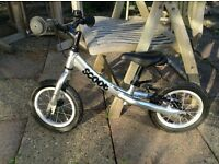Ridgeback Scoot In Silver Children's Balance Bike In Excellent Condition Perfect For Christmas