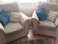 3 piece suite in a oatmeal coloured, in lovely condition