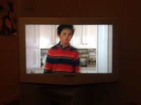 23 inch TV no remote no stand needs put on wall