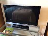 Sony Bravia LCD TV with Freeview - excellent condition