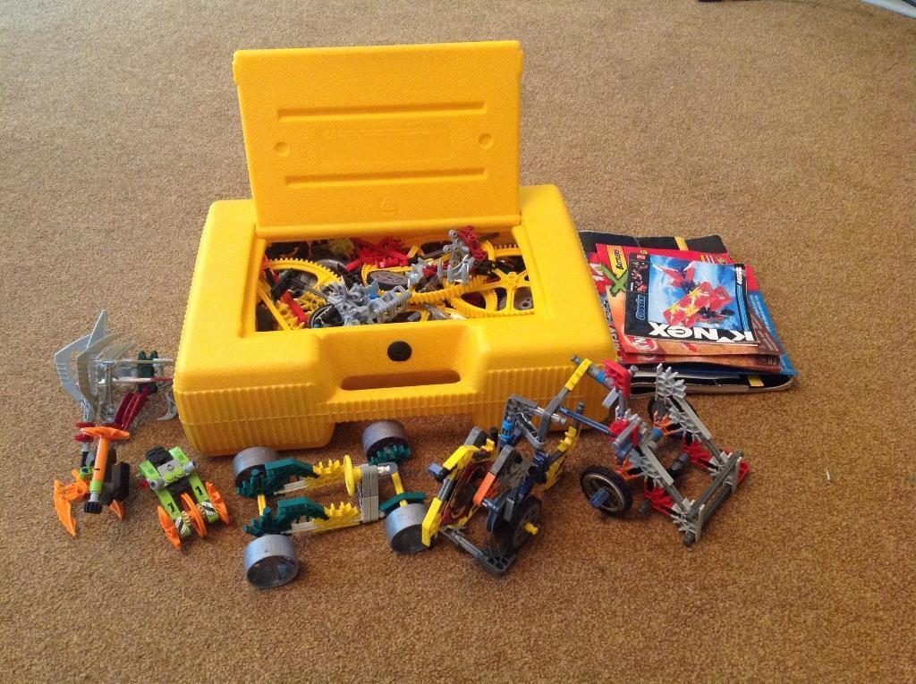 K Nex Box Of Assorted K Nex Pieces And Instruction