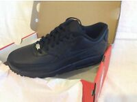 LIMITLESS TRAINERS PRESENT - BLACK LEATHER - NIKE AIR MAX 90 UK SIZE - 7