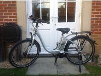 Raleigh Leeds Tour Ladies Electric Bike