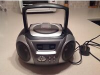BOOGIE BOX, COMPACT DIGITAL DISC PLAYER/RADIO IN VERY GOOD CONDITION