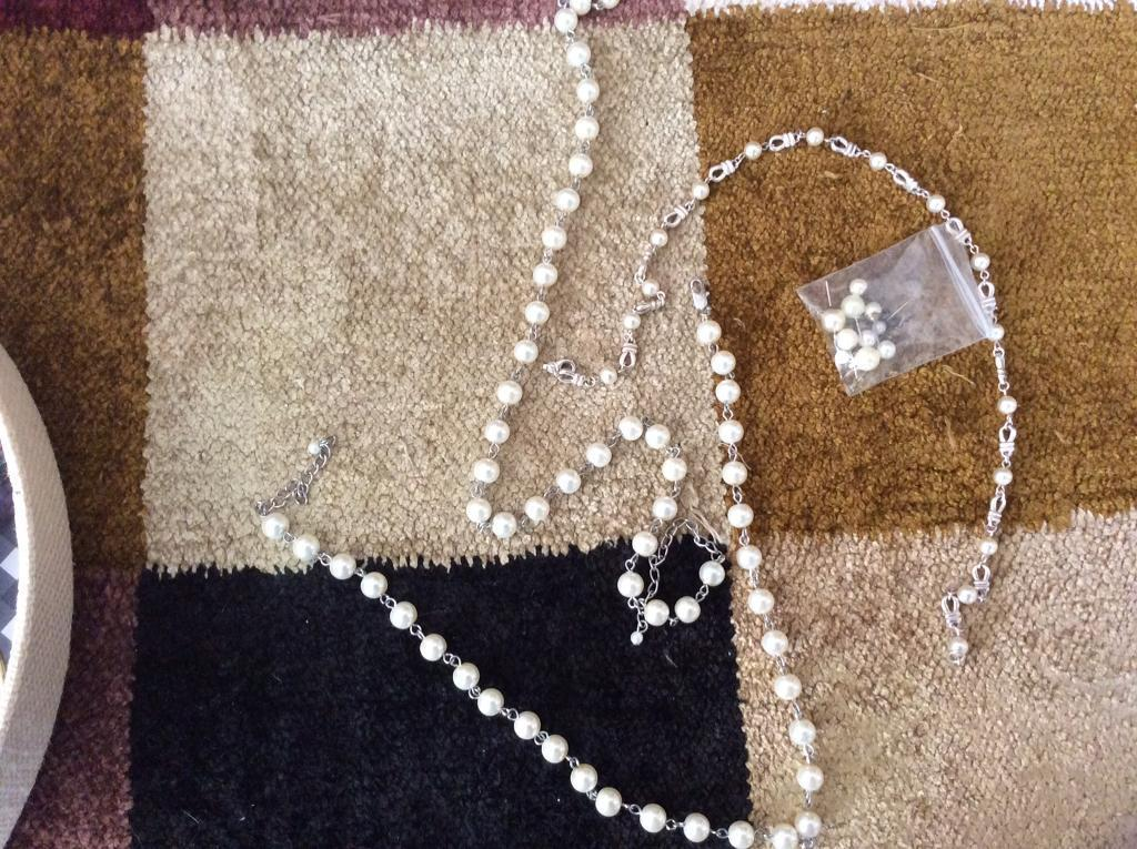 Three pearl necklaces and 5 earringsin Kingston, LondonGumtree - Studs of different sizes Three necklaces of different lengths Lovely to wear together .....the chains they can be worn as a one piece or separately as three necklaces and matched with different earrings