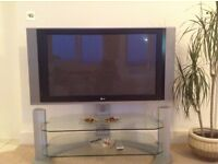 """42"""" lg to with glass stand"""