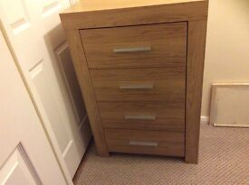 2 X 4 DRAWER OAK EFFECT CHEST OF DRAWERS IN EX CONDITION ONLY £30 EACH