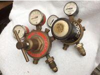 Oxy/acetylene gas bottle regulators