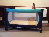 Hauck Disney travel cot