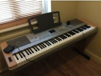 Yamaha DGX640 Digital grand piano keyboard Complete with stand and pe