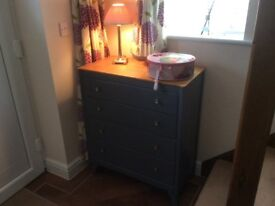 Stunning Vintage Chest of Drawers