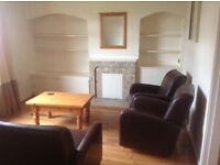 Excellent 1bedroom furnished ground floor flat with back garden and excellent street parking