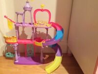 My little pony bundle - castle, train, ponies