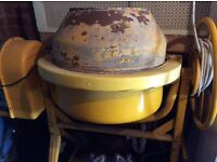 Concrete mixer Clark, yellow color, in a good working condition