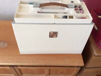Newhome XL-11 electric sewing machine. Complete with accessories. Full working order.