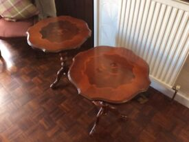 Lovely pedestal table with patterned inlay . Very good condition.