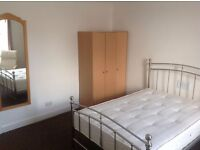 Large single room to let in HMO £320 p/m bills included, Cupar town center, near St Andrews NO DSS