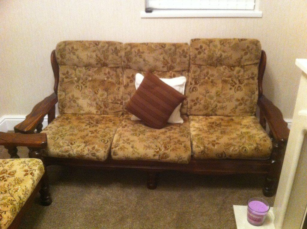 antique vintage wooden frame 3 seater setee and 2 arm chairs good clean sofa mahogany beige. Black Bedroom Furniture Sets. Home Design Ideas