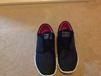 Mens size 9 Black Trainers