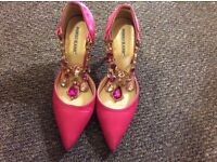 Fushia pink satin pumps with crystal decoration (can be off) size 4