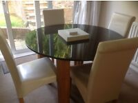Dining table and 4/6 chairs