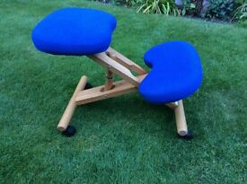 Wooden Kneeling Orthopaedic Stool Ergonomic Posture Chair Blue