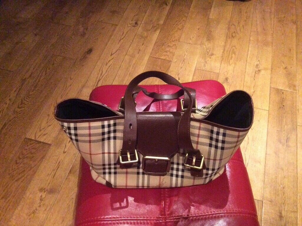 2907bf4221ae Burberry Bag 100% Authentic