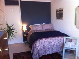 Bright, Large Double Room available for short let
