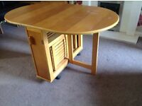 Folding butterfly table and 4 chairs