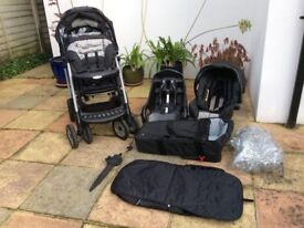 Graco Quattro Tour Deluxe Travel System, pushchair, car seat.