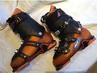 Ski boots Salomon size 29, shoe size 10-10.5 used once in very good condition. Black and orange