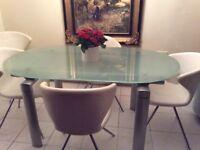 Desighner dining table