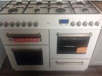 White bush nearly new range cooker rrp £400