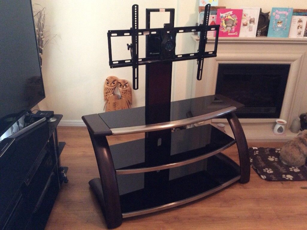 Whalen Maxxis 3 In 1 Tv Stand In Brentwood Essex Gumtree